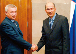 Lukoil's top man Vagit Alekperov during a meeting with Slovenian Prime Minister Janez Jansa; Lukoil negotiated long on cooperation with Slovenian oil company Petrol, but there was no deal struck in the end