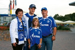 Rakitic family: mother Kata, Ivan and Nikol and father Luka in Gelsenkirchen, in front of the German stadium of Ivan Rakitic's new team last Saturday