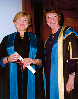 JANET HUSBAND u studenome 2005. imenovala ju je počasnom članicom Royal College of Radiologists