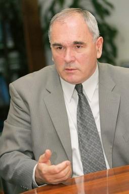 Ivan Mravak optužen je zbog fiktivnog zapošljavanja Rade Buljubašića, iza čega najvjerojatnije stoji vrh HDZ-a