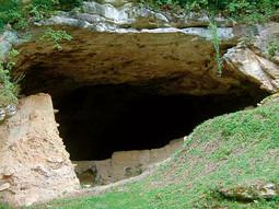 ULAZ U ŠPILJU  Vindiju pokraj Varaždina, jedno od najvažnijih nalazišta ostataka neandertalaca