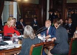 HRVATSKI PREDSJEDNIK Stjepan Mesić u rujnu 2007. godine održao je predavanje na Globalnom summitu kreativnog vodstva, koji je organizirala Louise Blouin