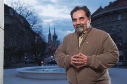 Komičar i glumac Željko Pervan otac je četiriju kćeri - Dorje, Ines, Mije i Pavle - o kojima priča s velikom ljubavlju